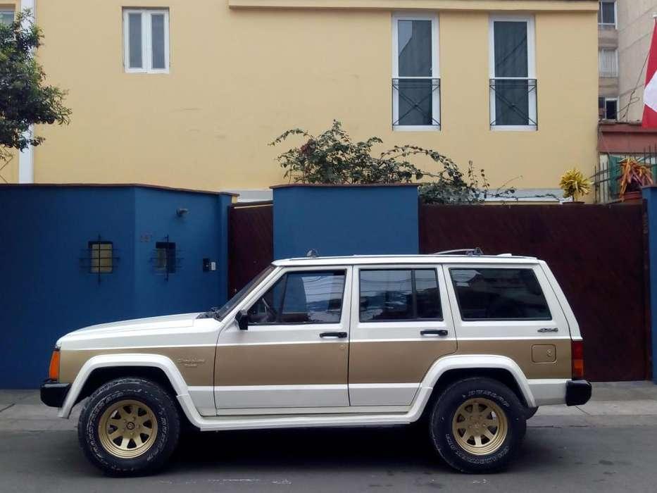 JEEP Cherokee 1987 - 150000 km