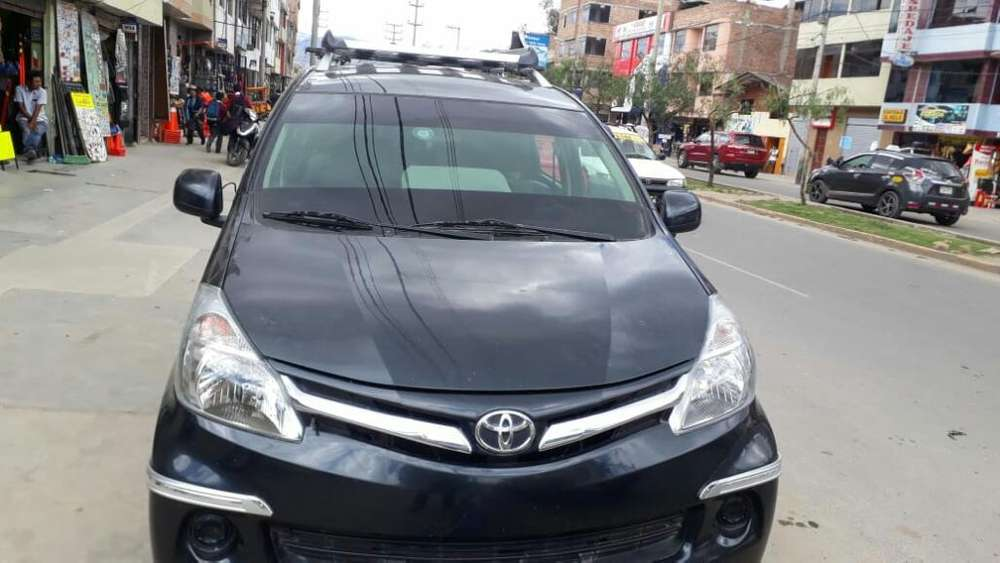 Toyota Avanza 2015 - 128000 km
