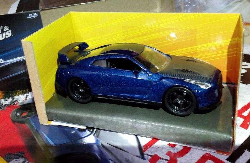 Auto Nissan de Rapido y Furioso escala 1 32