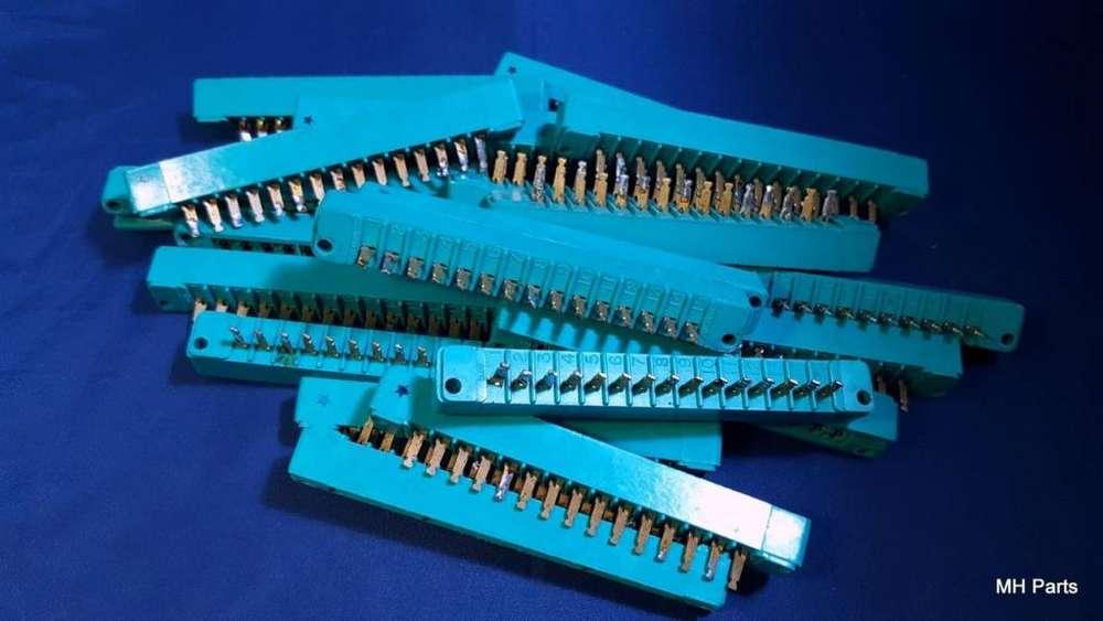 Conector Vertical ELCO 1 PCS Enchufe Vertical 16 Conexiones NOS