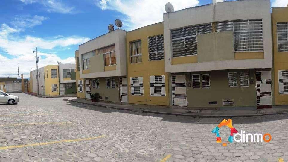 Casa en venta 3 dormitorios - San Antonio de Pichincha