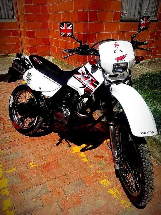 Vendo <strong>honda</strong> Xl 200