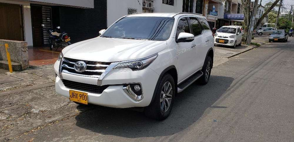 <strong>toyota</strong> Fortuner 2017 - 42200 km