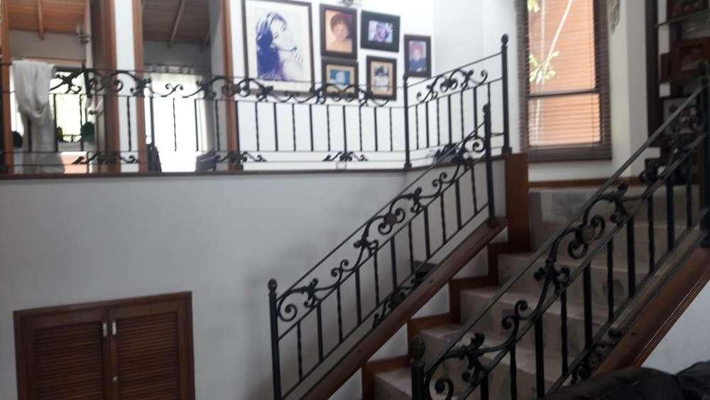 VENDO ESPECTACULAR <strong>casa</strong> EN SANTA MONICA UNIDAD CERRADA