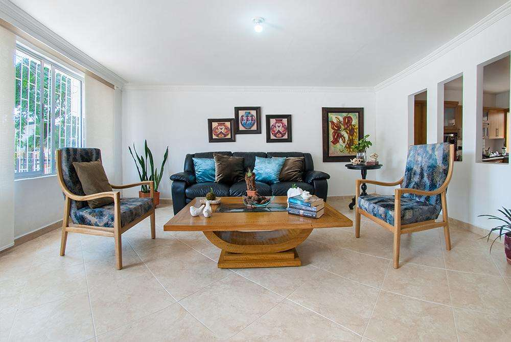 Vendo hermosa casa 150m2 piso 1, remodelada en Simón Bolivar