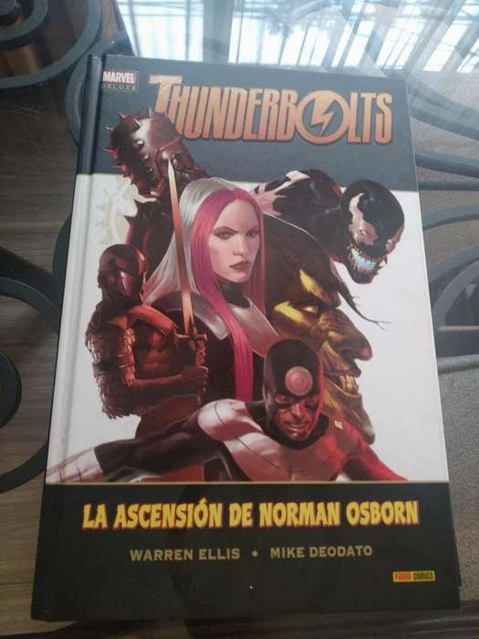 Cómic Marvel Deluxe Thunderbolts
