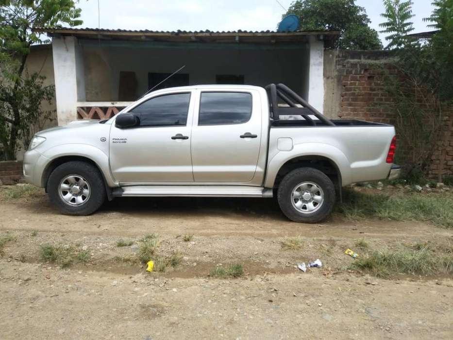 Toyota Hilux 2010 - 155000 km