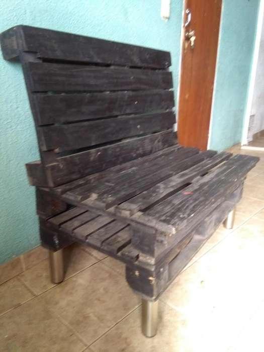 sillas en estibas