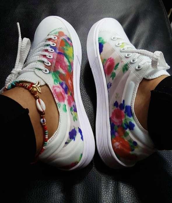 Tennis Adidas Flower