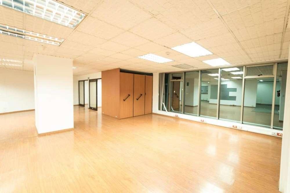 RENTA - VENTA Oficina de 435m2 en sector Plaza Artigas. Av. 12 de Octubre