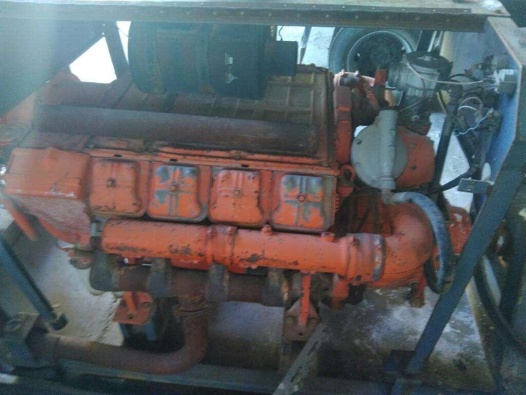 Vendo Motor Deutz V8 Y Otro de 3c.