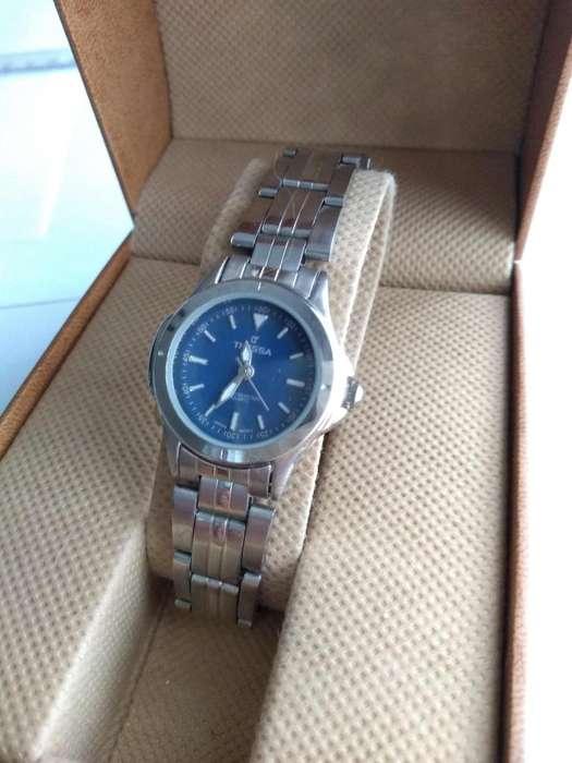 28a1f576d474 Reloj pulsera Tressa mujer cuadrante chico  strong malla  strong  de acero