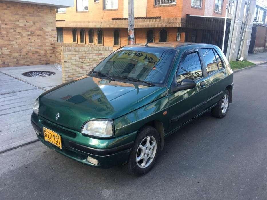 Renault Clio  1997 - 249 km