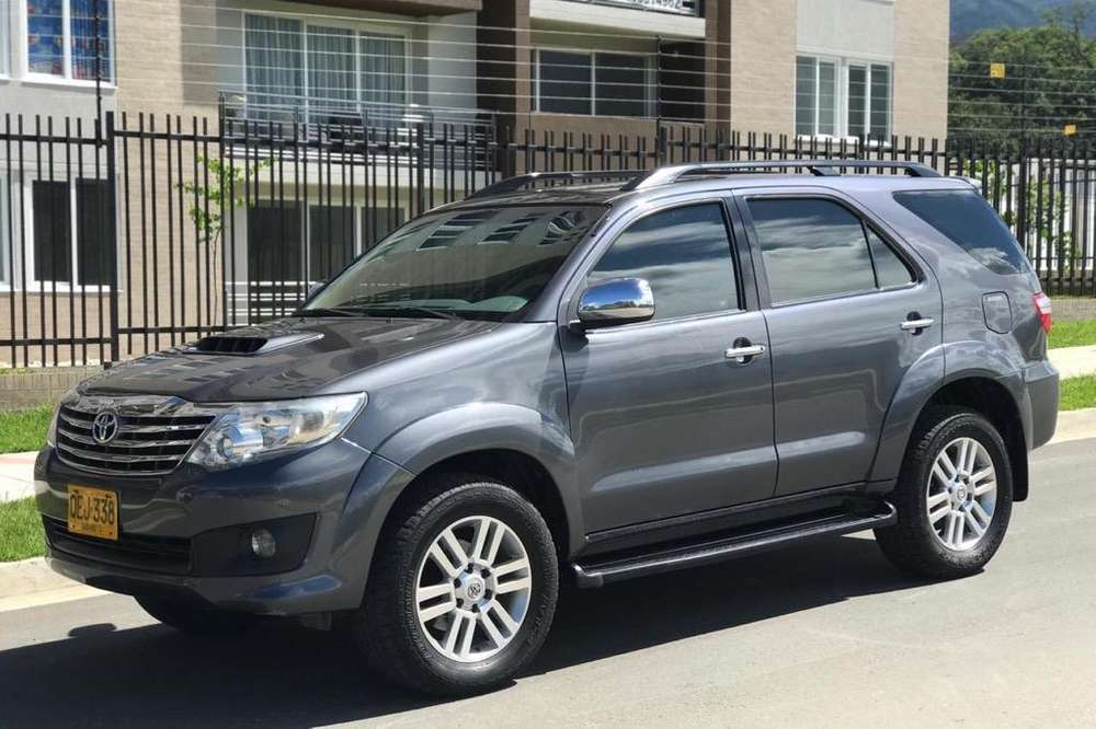 Toyota Fortuner 2011 - 92000 km