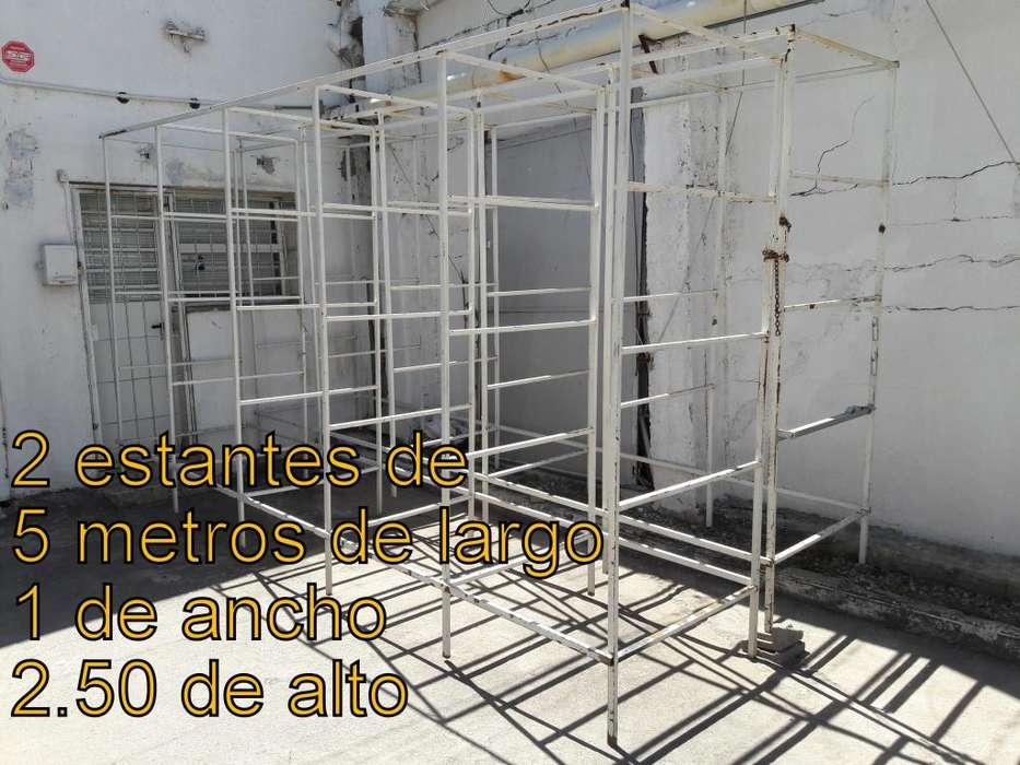 LIQUIDO ESTANTES DE CAÑO DE ACERO CON MADERA REFORZADA