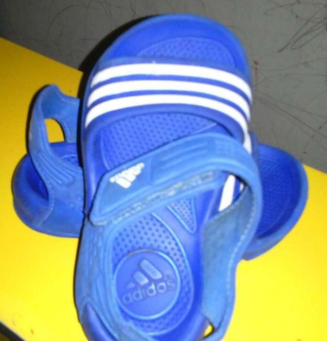 zapatilla adidas originales talla23 poco uso