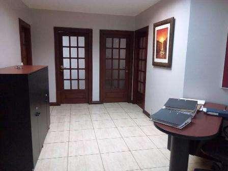 Venta de <strong>oficina</strong> en Av. Quito, Centro de Guayaquil