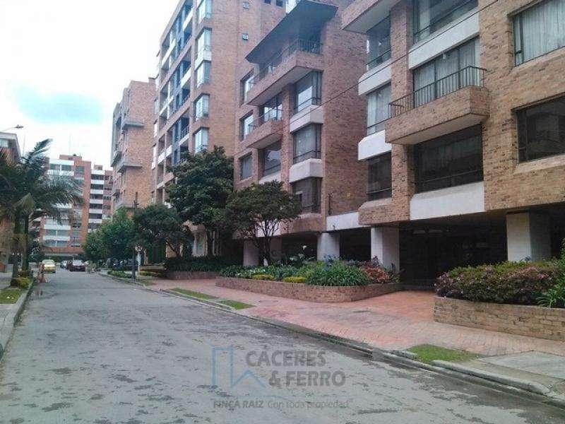 Apartamento En Venta En Bogota Chico Norte Cod. VBCYF20511