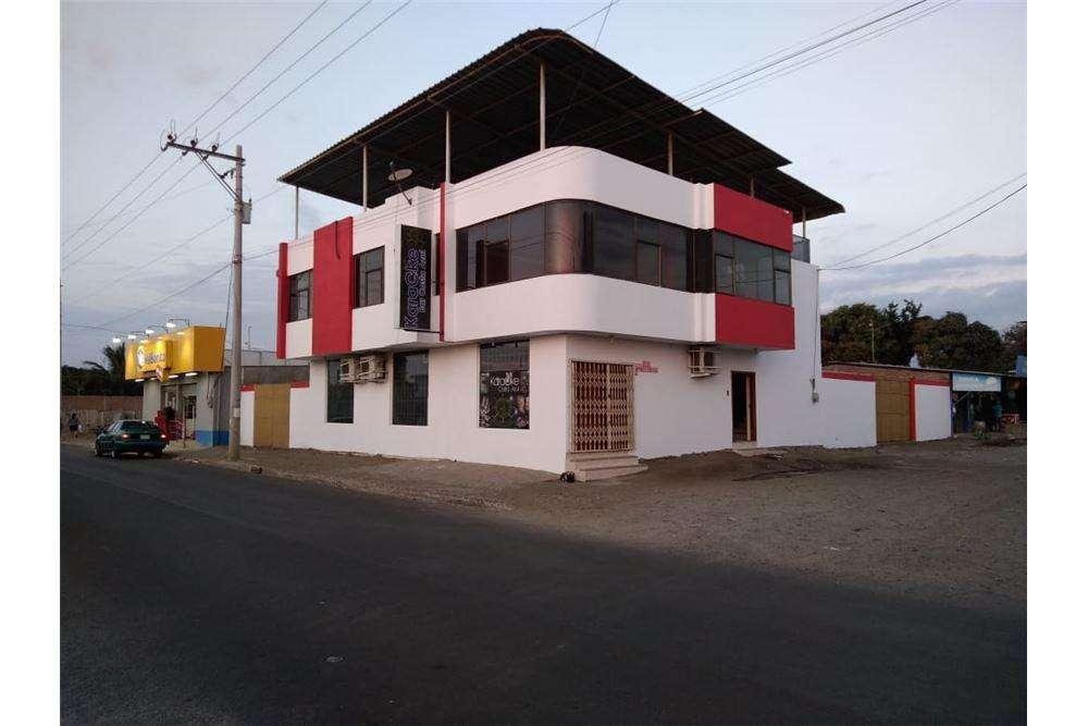 casa esquinera en venta zona norte de manta