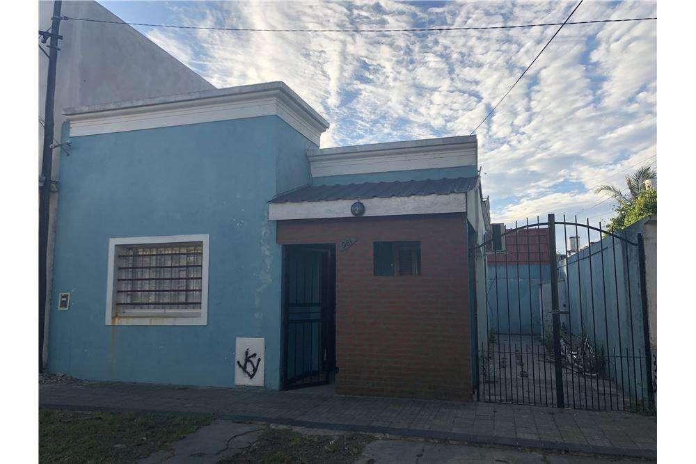 PH tipo casa de 2 dormitorios en venta. La Plata