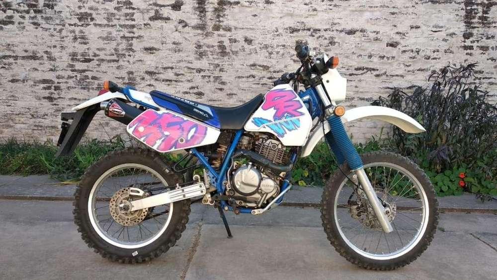 Vendo <strong>suzuki</strong> DR 350 impecable