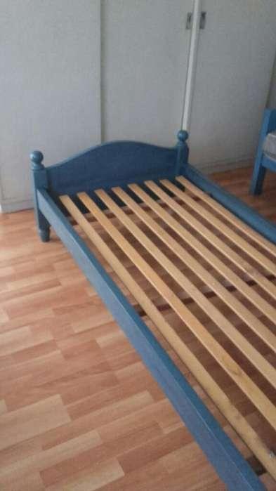 <strong>camas</strong> Una Plaza (dos) con Mesita de luz Y Baul