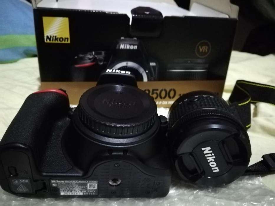 Camara Nikon d3500 nueva