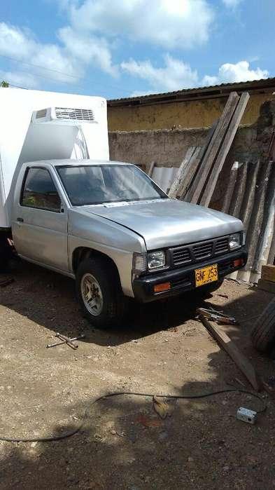 Nissan D-21 1996 - 30000 km