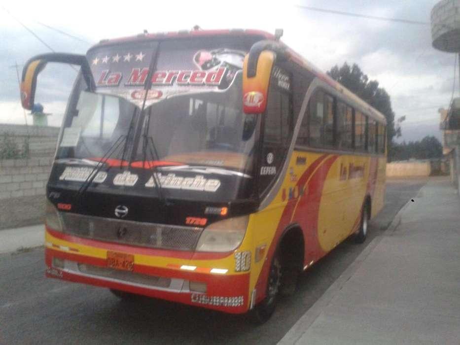 Bus hino GD 2005 con o sin acciones
