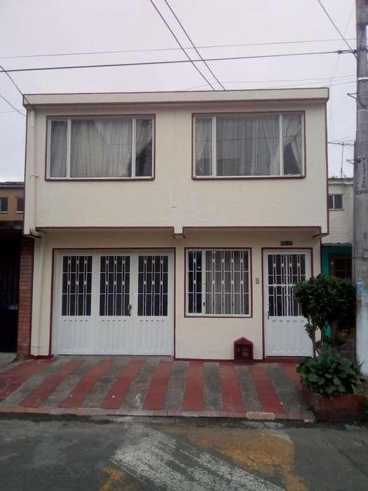 Casa amplia y bien ubicada Barrio Bolivia al Noroccidente de Bogota