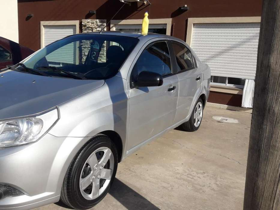 Chevrolet Aveo 2012 - 121 km