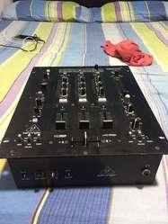 Vendo  Mixer Profesional Behinguer Nox 303 Usb