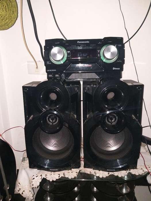 Vendo Equipo de Sonido Panasonic Akx400