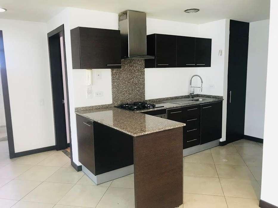Amplio y luminoso departamento en Renta-Sector Megamaxi-2dormitorios-Edificio Seguro - 700 incluye alicuota