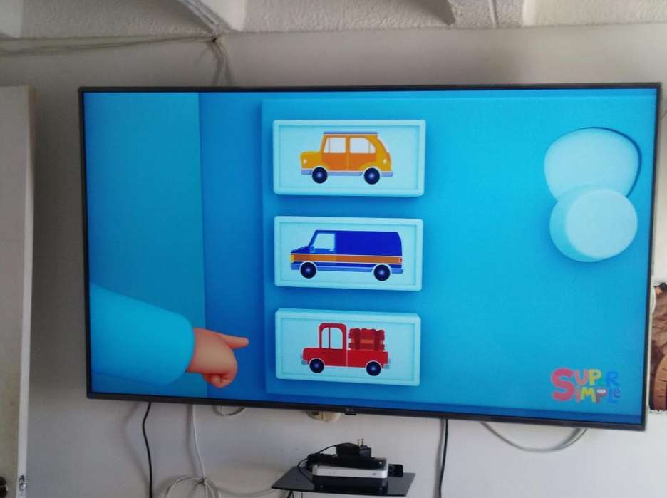 Se Vende Tv Lg de 65 Pulgadas Smart Tv