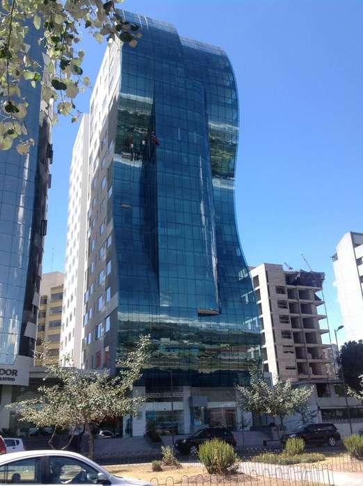 Vendo, Carolina, Pablo Picasso apartamento Av. Shyris, 3 dormitorios.