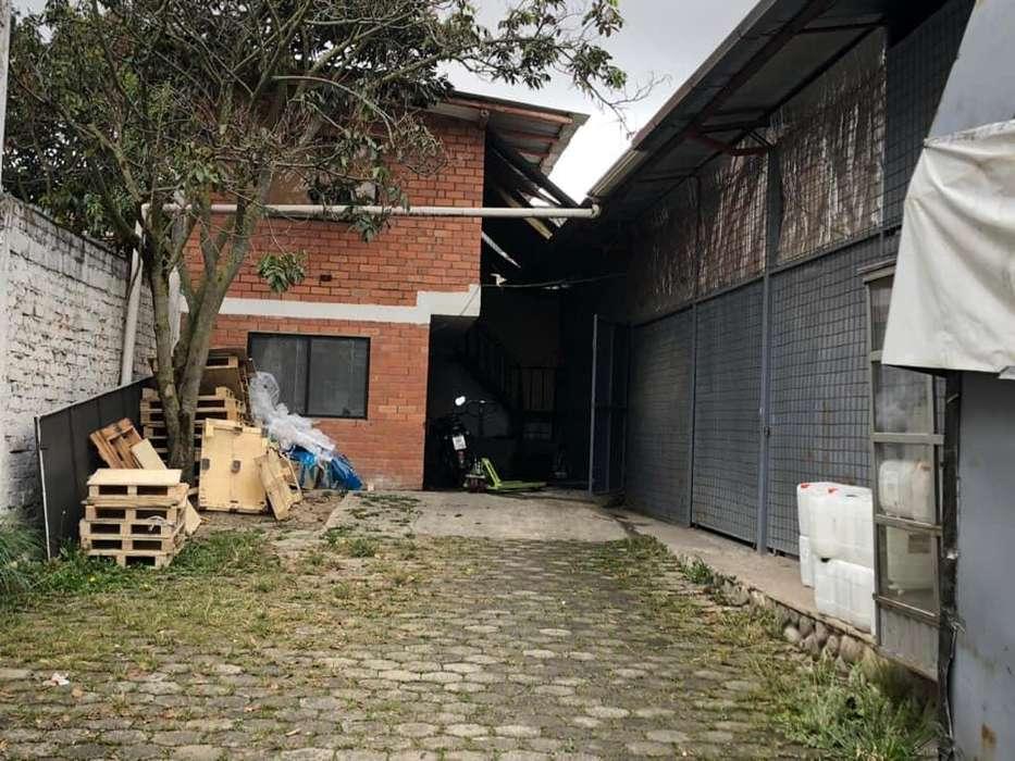 Casa comercial en renta sector Av. De las Americas (R98)