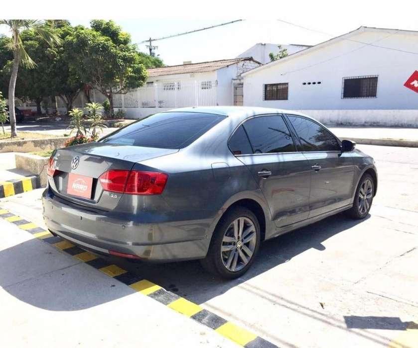 Volkswagen Jetta 2012 - 82000 km