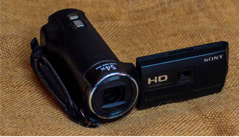 Sony Handycam HDR PJ270 con proyector integrado