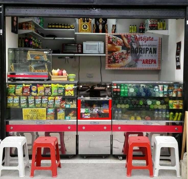 Muebles y equipos para cafetería o tienda