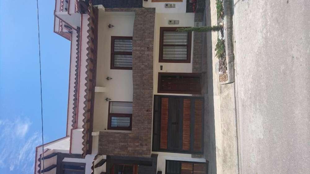 Se Vende Casa En Rionegro, Barrio Altos Del Lago