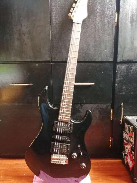 Guitarra Electrica Yamaha Amplificador