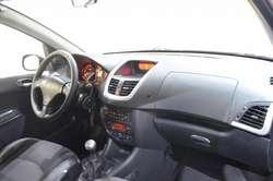 Peugeot 207 compact feline 1.4 hdi 2010 4 puertas