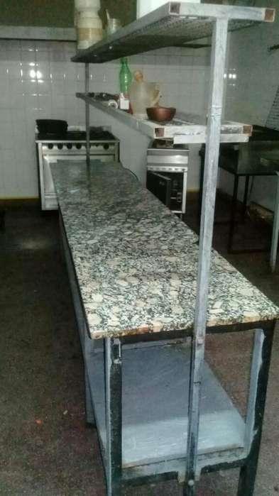 Mesa de Trabajo con Estantes Granito