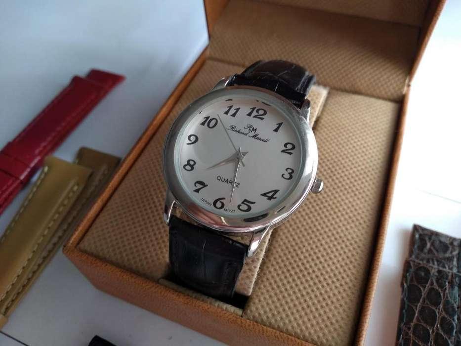 6d65f33415bd Kit Reloj Pulsera mujer con dos mallas de repuesto de cuero a elección!  PROMO IMPERDIBLE