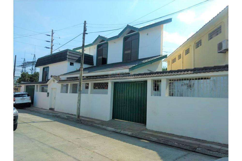 Vendo Casa en Cdla. kennedy Norte