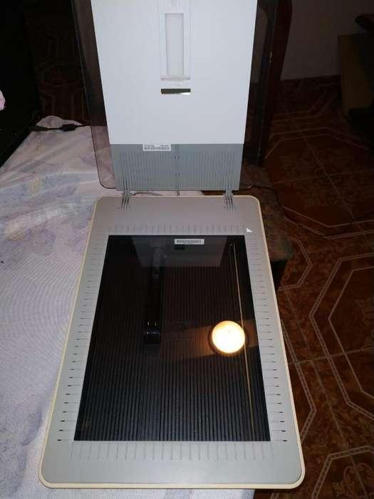 Escaner HP Scanjet G2710