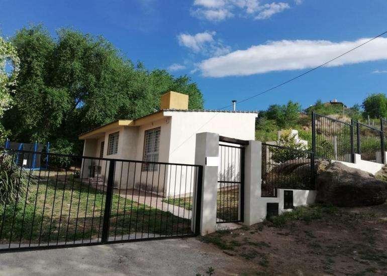 Hermosa casa de 2 dormitorios ubicada en Barrio Becciu