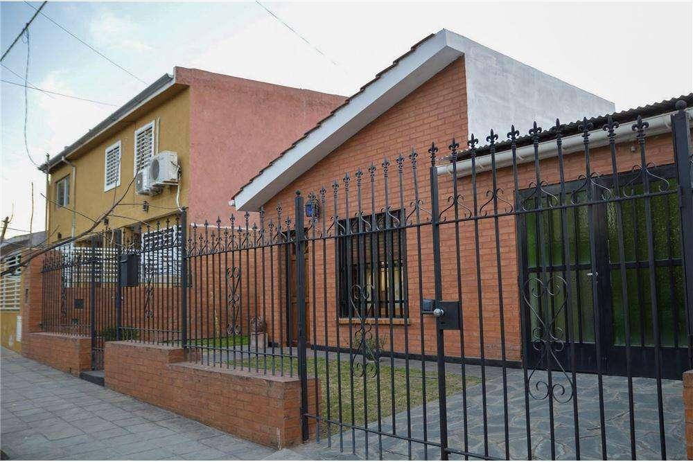 Casa 3d c/patio a mts Duarte Quiroz