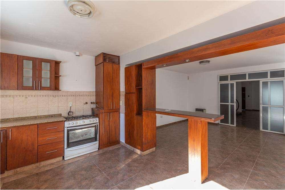 Se vende casa 3 dorm PILETA,B Residencial Olivos